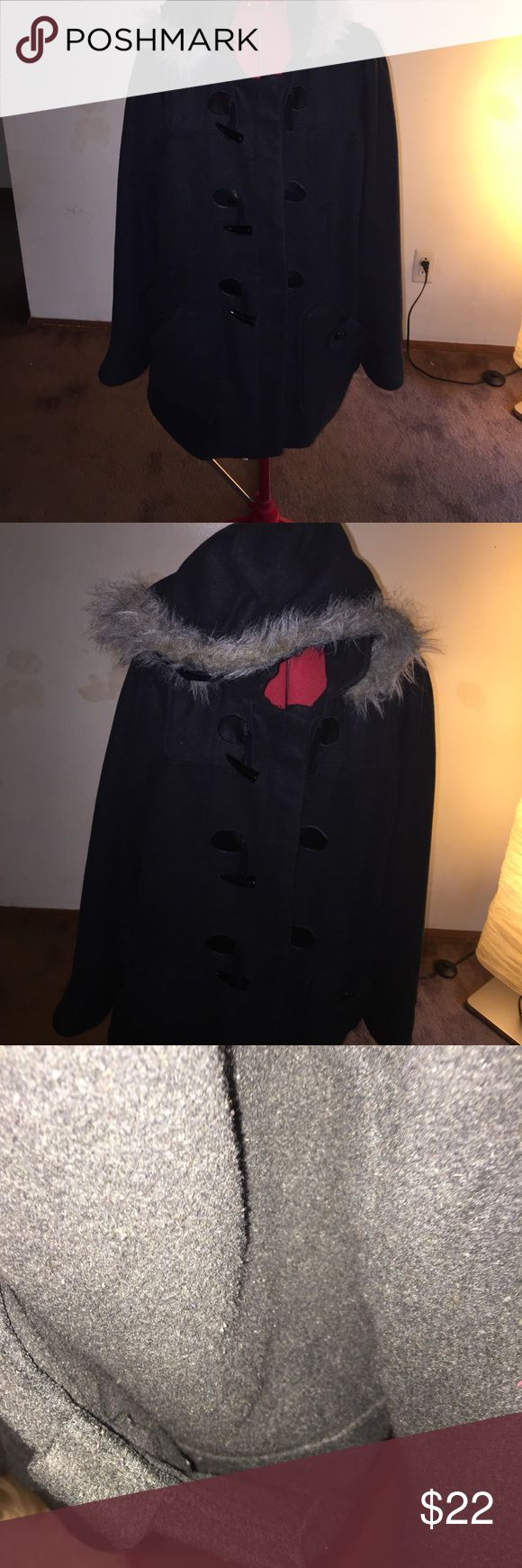 Ladies winter coat Black with fur hood. Good condition. Left pocket needs a stitch. VERY warm Jackets & Coats Pea Coats