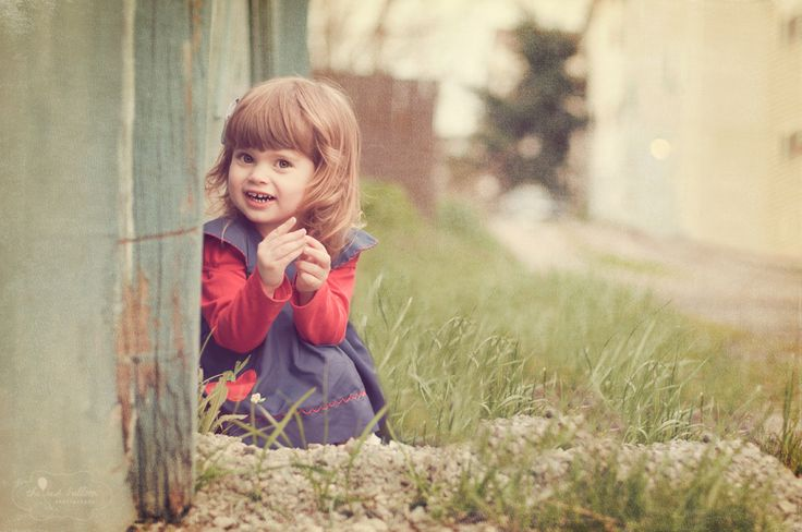 I cannot get enough of this blog, or her pictures or her children. Too adorable. Seriously, go check her out!
