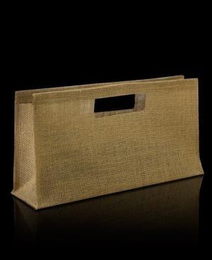 Nuestro modelo california aúna los beneficios de una caja para botella y una bolsa. Su estructura es consistente, tiene asas y es diferente a otras cajas o envases para botellas.