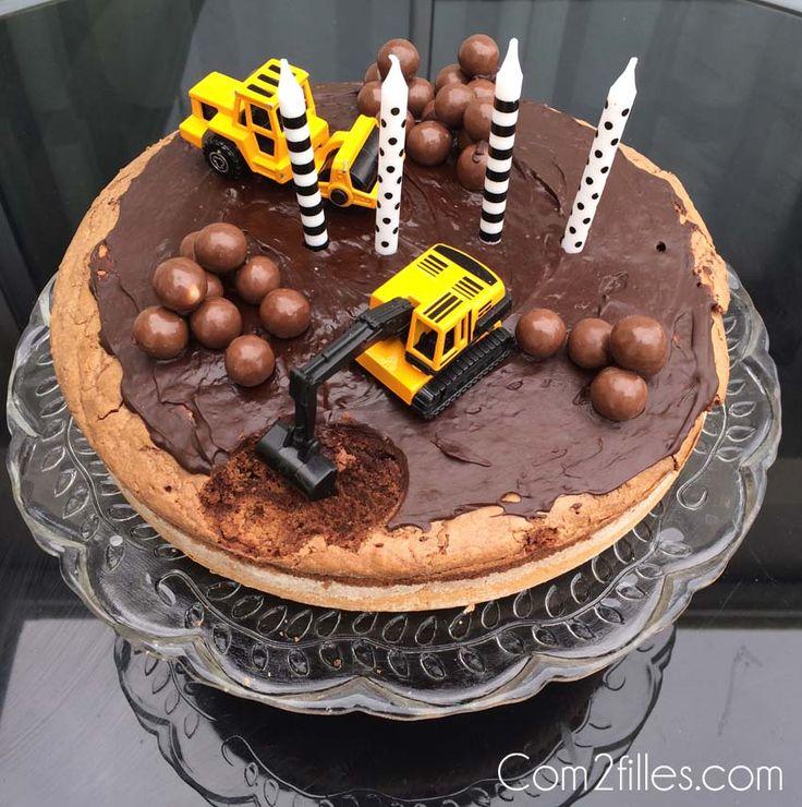 Pour qu'une fête d'anniversaire soit parfaite il faut un gâteau... Et pour une fête sur le thème du chantier, voici le gâteau chantier !