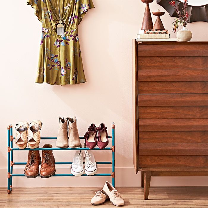 Build a simple shoe rack that puts