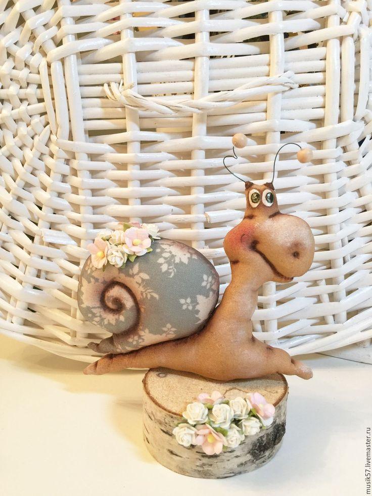 Купить Улиточка на пенёчке (авторская работа) - бежевый, улитка, улиточка, улитка в подарок