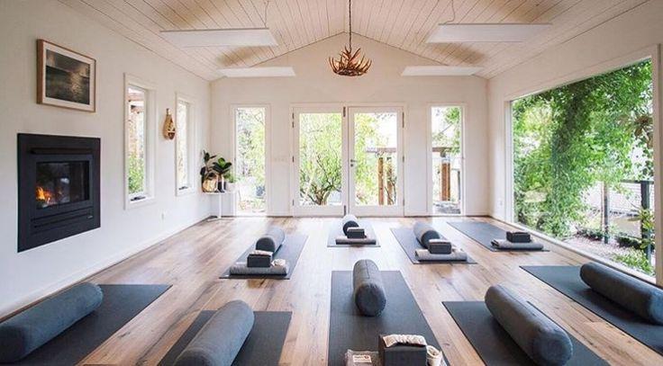 Beautiful Yoga Studio Diseño De La Sala De Yoga Diseño De Estudio De Yoga Estudio De Yoga En Casa
