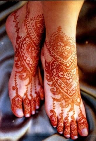 Henna on feet.