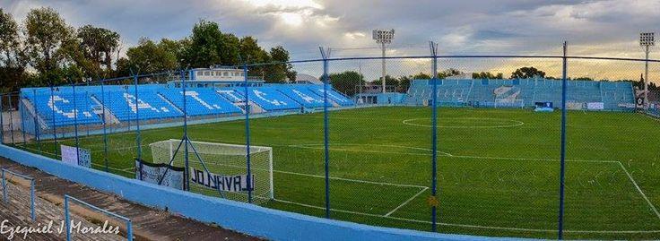 Estadio Alfredo Beranger - Club Atlético Temperley - Temperley (Buenos Aires) - Dimensiones 102m x 68m - Capacidad 21000 espectadores - Inauguración 1924
