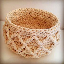 Trapillo T-shirt yarn basket    by OsaEinaim סל סרוג מחוטי טריקו    עושה עיניים