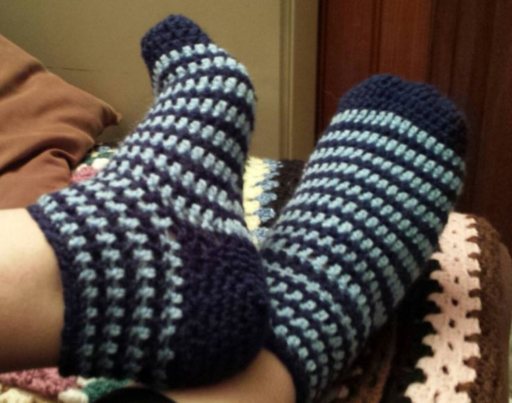 Chaussettes au crochet.Vidéo en français.                                                                                                                                                                                 Plus
