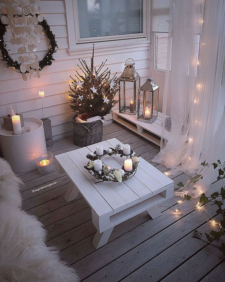 best diy christmas balcony ideas source in pinterest com balcony decor christmas on christmas balcony decorations apartment patio id=31806