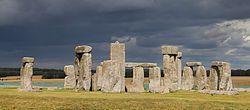 """Monumento historico llamado """"Stonehenge"""" en Inglaterra.  De este monumento ingles no tiene mucho de que hablar ya que es muy simple y complejo."""