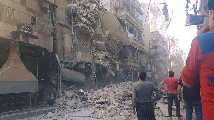 Dalam setahun 9.300 orang tewas dalam serangan udara Rusia di Suriah  DAMASKUS (Arrahmah.com) - Dalam setahun serangan udara Rusia di daerah yang dikontrol oleh pejuang Suriah telah menewaskan lebih dari 9.000 orang menelantarkan puluhan ribu lainnya dan menyebabkan kerusakan yang luas ujar laporan kelompok pemantau pada Jum'at (30/9/2016).  Pada 30 September 2015 Rusia memulai kampanye udara untuk mendukung rezim Nushairiyah pimpinan Bashar Asad dan membombardir wilayah-wilayah yang…