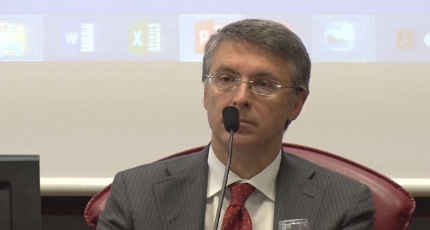 Meno gare, fatte meglio e più controllo sull'esecuzione: Raffaele Cantone all'Università di Torino