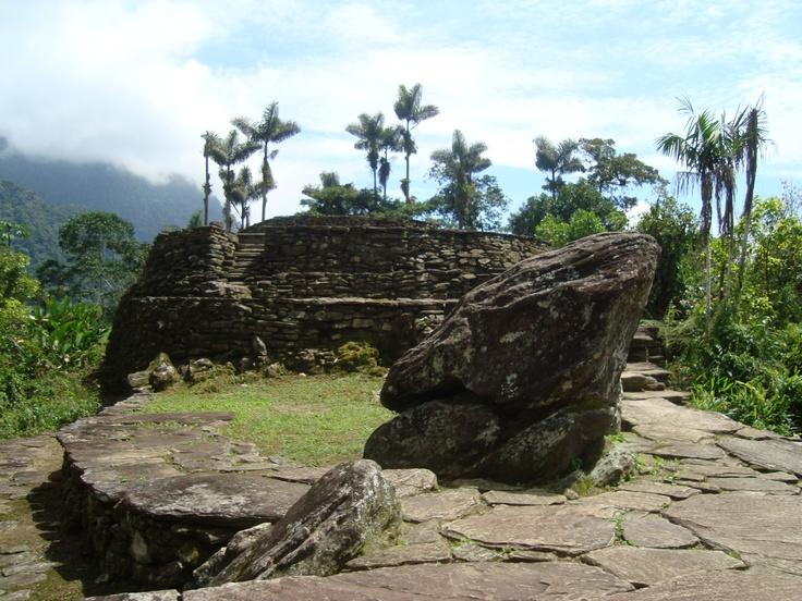 Vestiges de l'architecture sophistiquée d'une culture indigène ancestrale des Tayronas