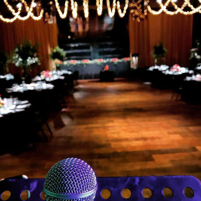 🇦🇺My work space tonight 🎤#weddingsinger 👰🏽🤵🏽 @atlanticgroup #maiareception . . #docklands #melbourne #melbournelifelovetravel #wedding #gig #timetosing #vocalist #singer #music #instasoul #instagood #instamusic #instasinger #love #joy #bliss #bride #groom #jazz #soul #motown #funk #instawedding #melbournesinger #melbourneweddingsinger #showcase #lovetosing #saturday