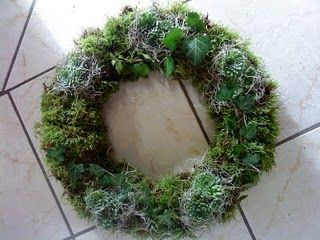 Bildresultat för moss wreath and moss balls