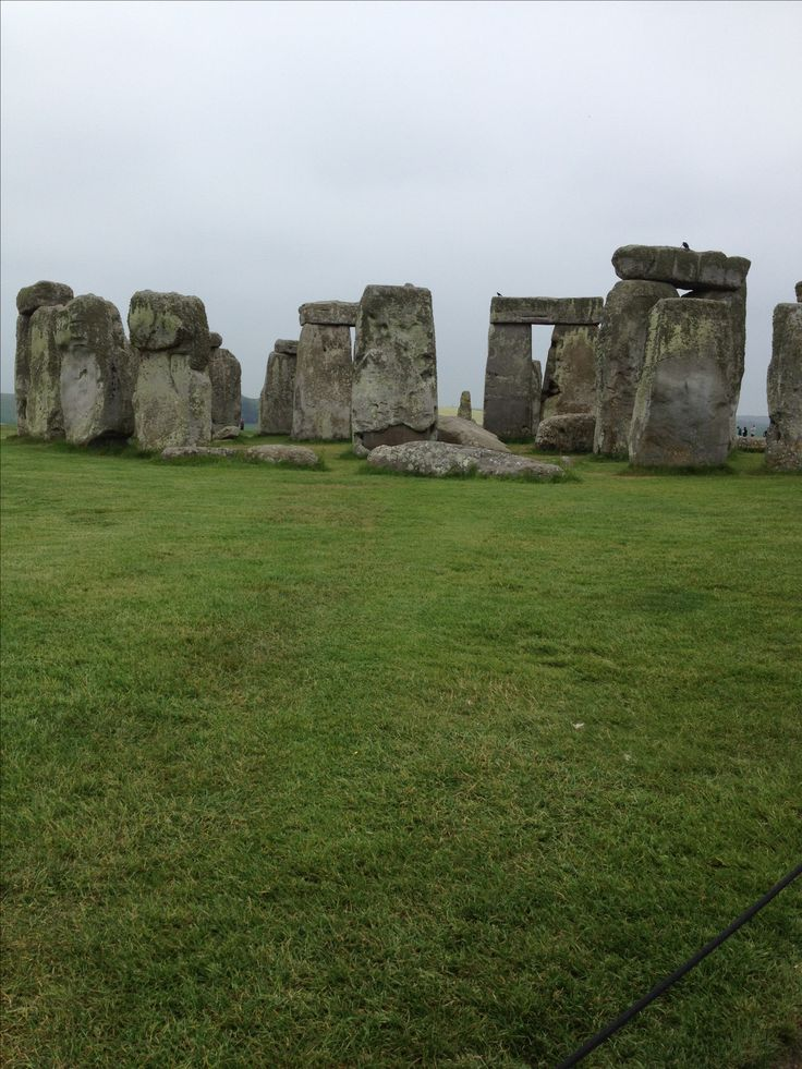 stonehenge structure may have served as ancient calendar Like the sarsens, a few have timber-working style cuts in them suggesting that, during this phase, they may have been linked with lintels and were part of a larger structure stonehenge 3 iv (2280 bc to 1930 bc.