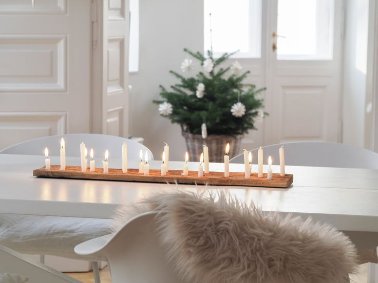 die besten 25 weihnachtlicher tafelschmuck ideen auf pinterest deko weihnachten adventskranz. Black Bedroom Furniture Sets. Home Design Ideas