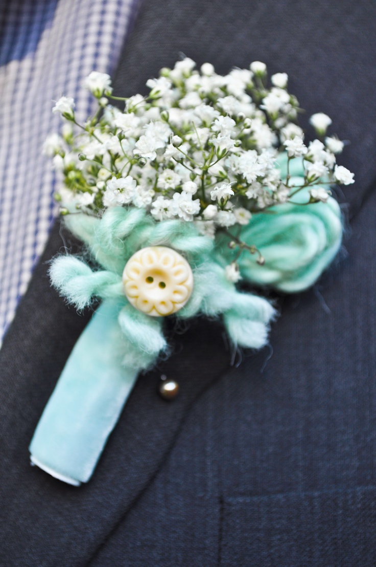 I love the yarn and baby's breath together.