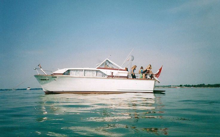74 Best Chris Craft Motor Yachts Images On Pinterest