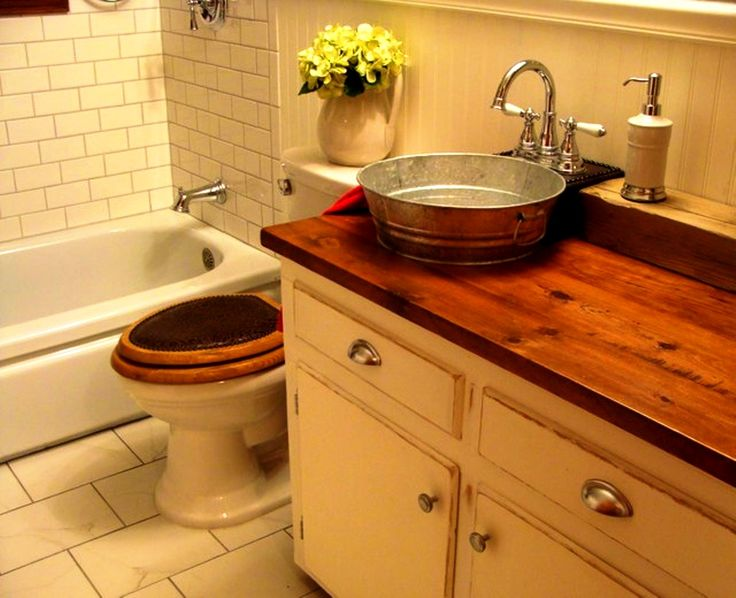 17 best images about country home decor on pinterest for Old farmhouse bathroom ideas