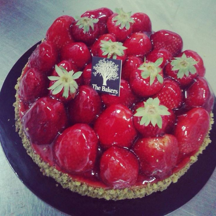 #tart #strawberrytart ##frangipane #rum #patesucree #apapastavrou #chefargiris strawberry tart! pate sucre, frangipane with rum ,fresh strawberries, strawberry glaze Creation for The Bakers by chef patissier Argiris Papastavrou
