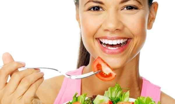 Makanan apa saja yang sebaiknya dimakan saat melaksanakan diet sehat alami? Lihat di sini detail lengkapnya