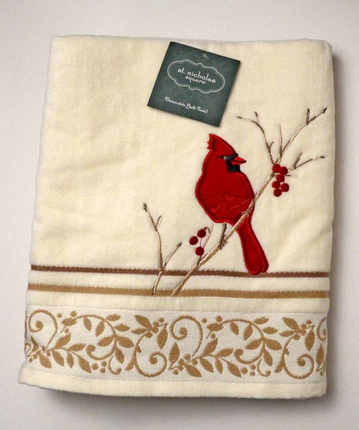 BIRD LOVERS! BEAUTIFUL CARDINAL & HOLLY DECORATIVE CREAM BATH TOWEL NEW