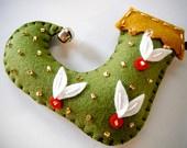 Felt Christmas Ornaments made by Miki ALL HAND-MADE. $11.50, via Etsy.