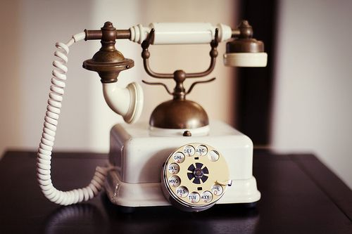 i found one just like this at an antique shop in new orleans. if i go back and it's still there, i'm buying it!: Decor, Call, Vintage Phones, Vintagephones, Vintage Telephone, Dream, Old Phone, Things, Antique