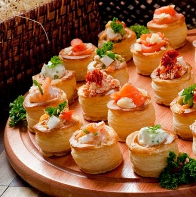 Best 25 vol au vent ideas on pinterest puff pastry for How to make canape cases