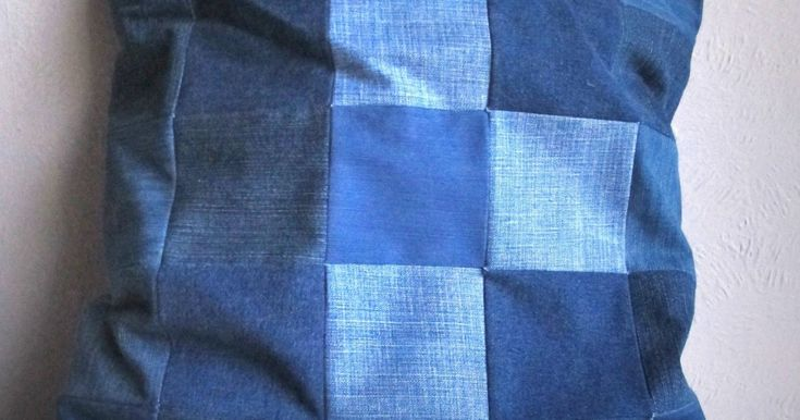 Moois van ' M(i)e': tut  : gerecycleerd jeanskussen in mozaïk