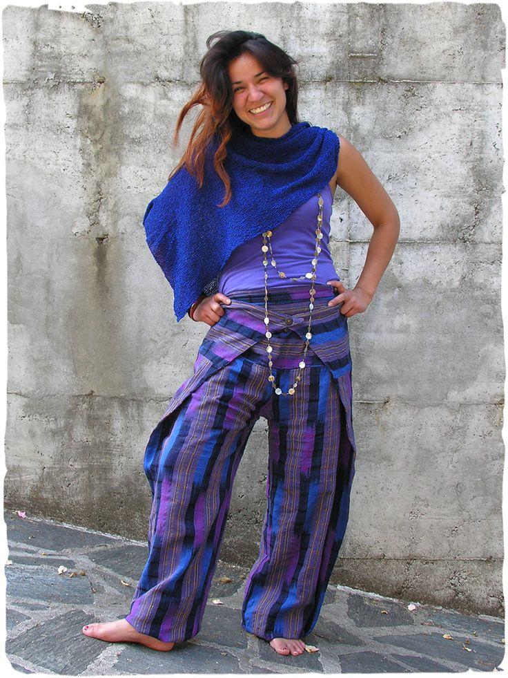 pantaloni New Thai ampi #pantaloni in #cotone con cerniera laterale, modello italiano lavorato artigianalmente in #Guatemala #modaetnica #ethnicalfashion #lamamita #moda #fashion #italianfashion #style #italianstyle #modaitaliana #lamamitafashion #moda2016 #fashion2016 #pantaloni #spring #springfashion #summerfashion #trousers #ethnictrousers
