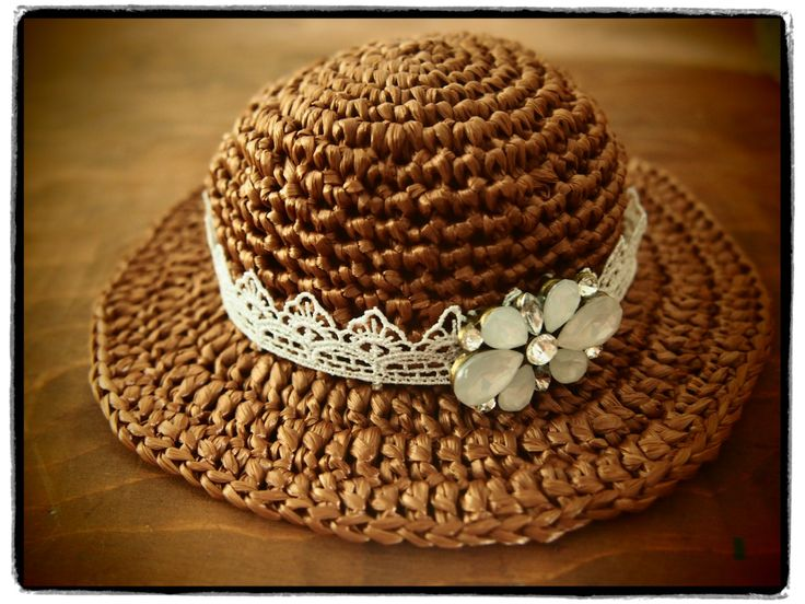 OOAK Blythe hat by StudioBambini on Etsy