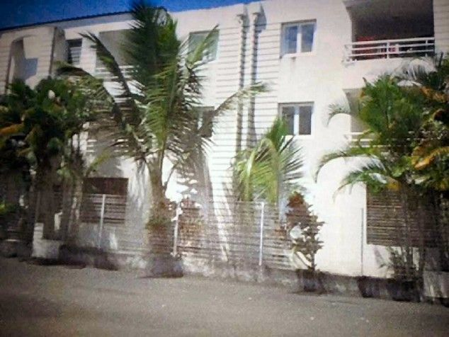Sur l'Ile de la Réunion, à 27 km de Saint-Denis, appartement 3 pièces comprenant cuisine salle de bains, séjour, 2 chambres. Résidence construite en 2004. Appartement loué 622 E mensuel. Mer à 5 km. Idéal investisseur. #appartementReunion #appartementSaintDenisReunion http://www.partenaire-europeen.fr/Annonces-Immobilieres/France/Collectives-et-territoires-d-outre-mer/Reunion/Vente-Appartement-F3-BRAS-PANON-1013110
