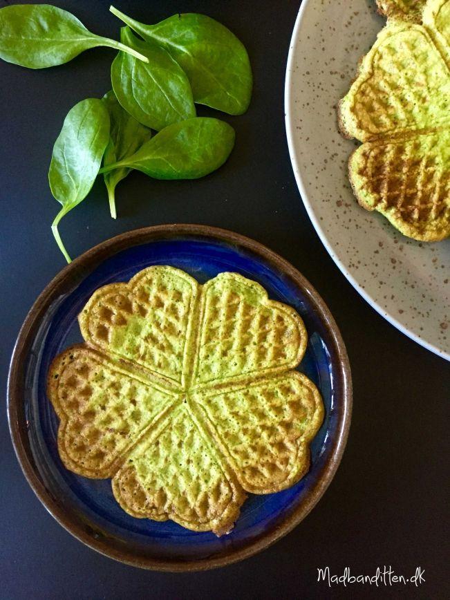 Grønne vafler med spinat og urter - glutenfri --> madbanditten.dk