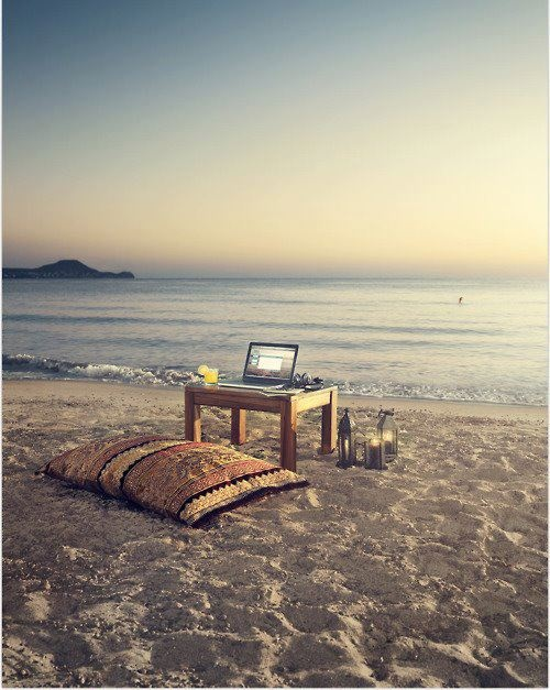 This is where I want to work this summer!Dreams Offices, Offices Inspiration, Favorite Places, Offices Spaces, Beach Offices, Inspiration Places, Work Spaces, Dreams Life, Summer Offices