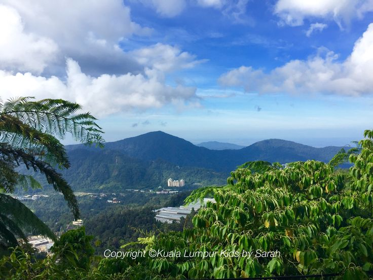 The amazing panoramic views of Genting Highlands, with Chin Swee Caves Taoist Temple