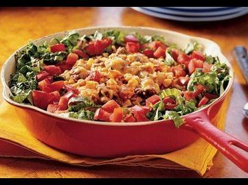 Ein köstliches mexikanisches Pfannengericht, servierfertig in nur 30 Minuten! Unsere Old El Paso™ Taco Würzmischung verleiht diesem Gericht aus saftigem Rinderhack, Reis und Mais das gewisse Etwas.
