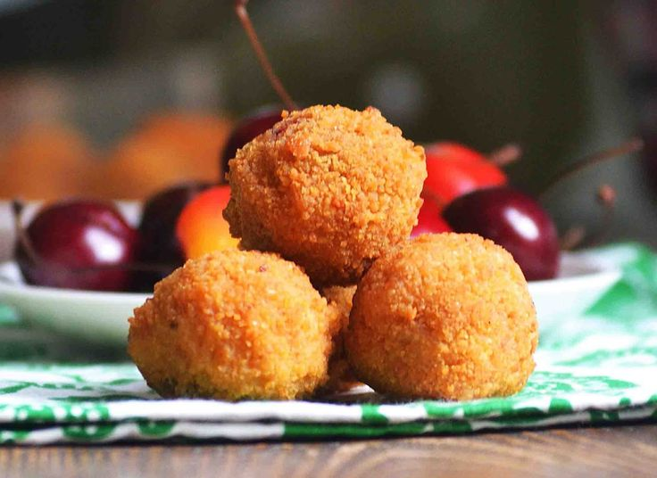 A recipe of #Hungary that shows us how, cherries are the fruit that is more likely to be fried. They will surprise you pleasantly! Fried #cherries