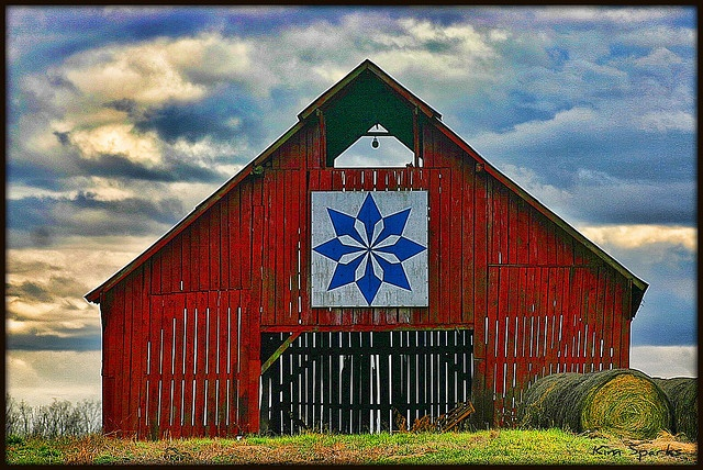 Love quilts and barns