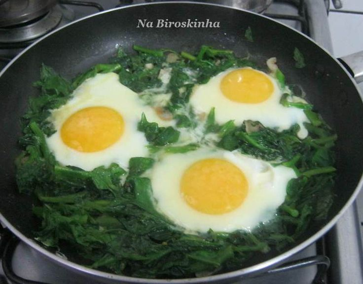 Refogado de Espinafre com Ovos - Na Biroskinha Mais