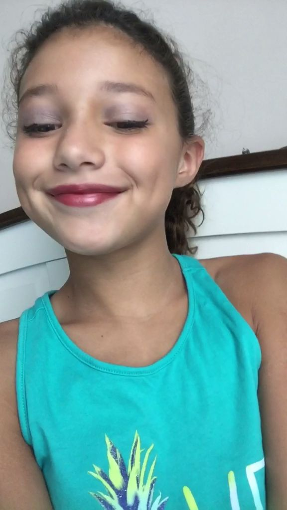 Tween Makeup Tutorial- what a cutie and she does a great ...
