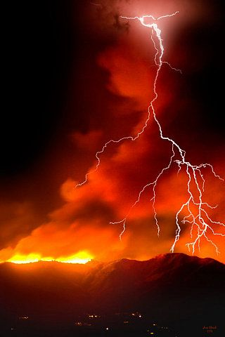 Forest Fire & Storm: Fire Starters, Lights, Forests Fire, Beautiful, Fire Storms, Crayons Art, Lightning Storms, Firestorm, Mothers Natural
