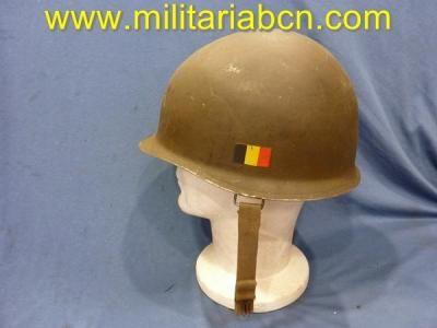 Bélgica.    Casco M1, con marcajes de la Intendencia belga ABL, calcomanía con la bandera belga.