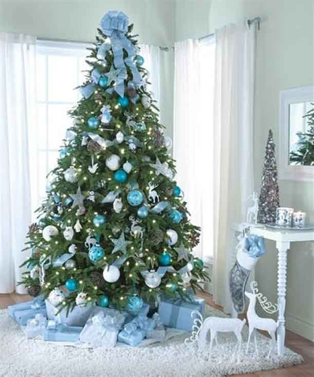 Christmas Tree Decorating Theme: Blue And Snowy
