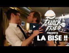 Vidéo hilarante: La bise française expliquée par un anglais - Femmes d'Aujourd'hui