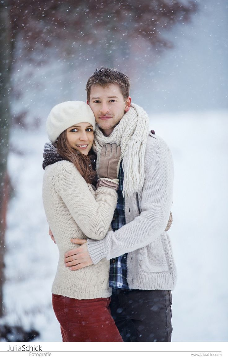 What a fun day in the snow this was! Thank you Caro & Lutz! #snow #photoshoot #love #couple