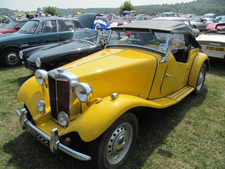 MG TD at Sherborne Castle classic car show