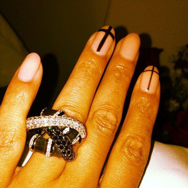 Simple Nails, Flashy Jewelry