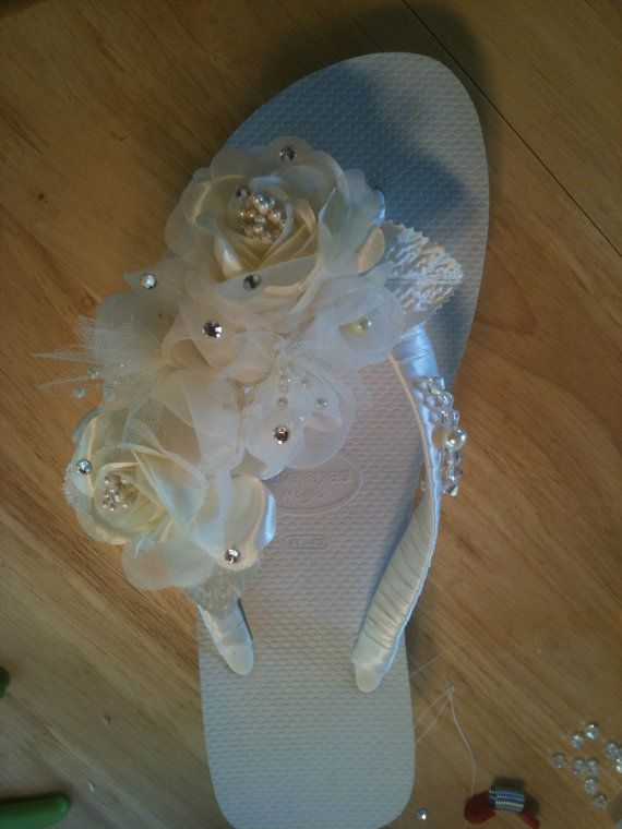 BRIDAL  Fancy Flips      Made to Order by LynTasticDesigns on Etsy, $40.00.. but i'm going to make them myself!