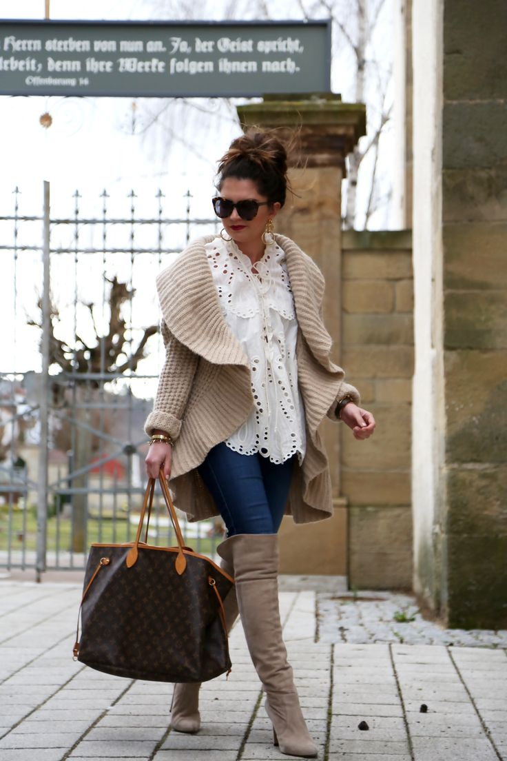 outfit-louis-vuitton-bag-cardigan-overknees-beige-fashionblogger